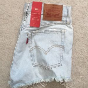 NWT Levi's wedgie fit